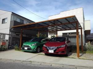 木彫色のカーポート屋根と言えば