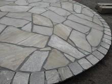 サークル テラス ガーデン エクステリア 方形自然石 乱形自然石 乱貼り