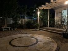 グランド工房 庭 石張り ライト