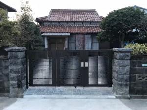 施工後 ライシス門扉2型 3枚折り戸