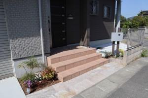 コンクリート 自然石 ポスト 植栽