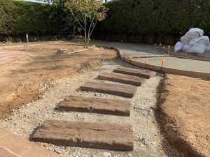 アプローチ 下地コンクリート コンクリート製枕木